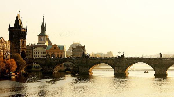Каменные арки моста