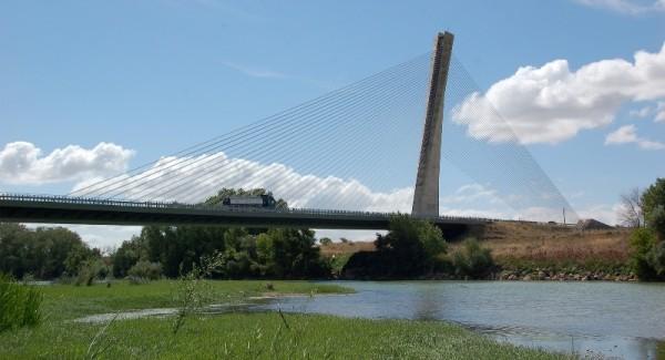 Мост Санчо Эл через р. Эбро