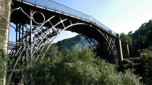 мост из чугуна